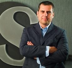 Александр Шнеерсон  — Генеральный директор